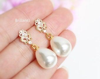 Teardrop Pearl and Zircon Stud earrings, Bridesmaid jewelry, Bridesmaid earrings, Everyday earrings, Wedding jewelry, Gold Wedding earrings