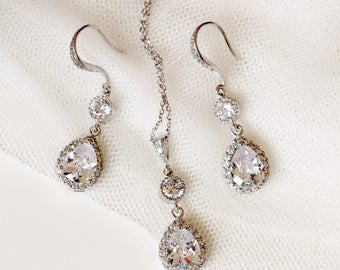 Bridal Jewelry Set Wedding Jewelry Set For Brides Silver CZ Bridal Earrings and Necklace Set Crystal Bridal Set