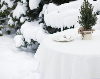 Simply finished linen tablecloth in Milky White