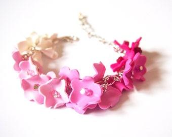 Ombre Pink Bracelet (flower bracelet bridesmaid bracelet pink bracelet bridal bracelet polymer clay jewelry wedding bracelet charm bracelet)