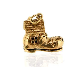 Vintage Gold Charm - 9ct Gold Old Woman Who Lived in a Shoe Charm - Vintage 9ct Gold Charm