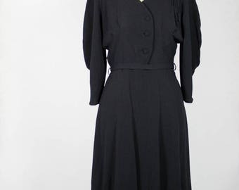 Vintage 1940s Black Crepe Dress with Belt // Sleeves Mint Condition