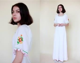 1970s Vintage Prairie Maxi Dress Empire Summer Hippie Flowers S