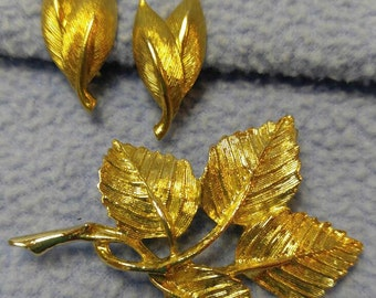 Bright Gold DFA Signed Leaf Brooch and Leaf Clip Earrings