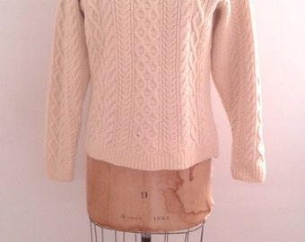 Vintage 1960's Hand Knit Cream Wool Aran Cableknit Fisherman Sweater Pullover Sz Med Traditional Rustic WASP