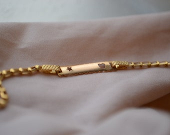 Adorable retro 18K yellow gold heart and star cut-out baby bracelet