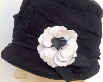 1920s cloche hat with flower flapper Art Deco vintage