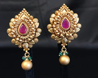 Indian Earrings - Indian Stud Earrings - Indian Jewelry - Antique Gold Temple Jewelry - Bollywood Jewelry - Kundan Jewelry - Indian Bridal -