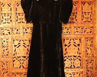 1930'/1940's Vintage black velvet dress w/Nylon neckline embellishment with black velvet buttons