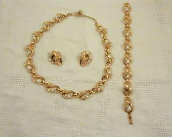 SALE ----- Vintage Trifari Gold Plated Marquise Rhinestone Necklace Parure Set with Bracelet and Earrings