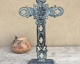 Vintage heavy cast iron standing cross garden memorial rustic home decor