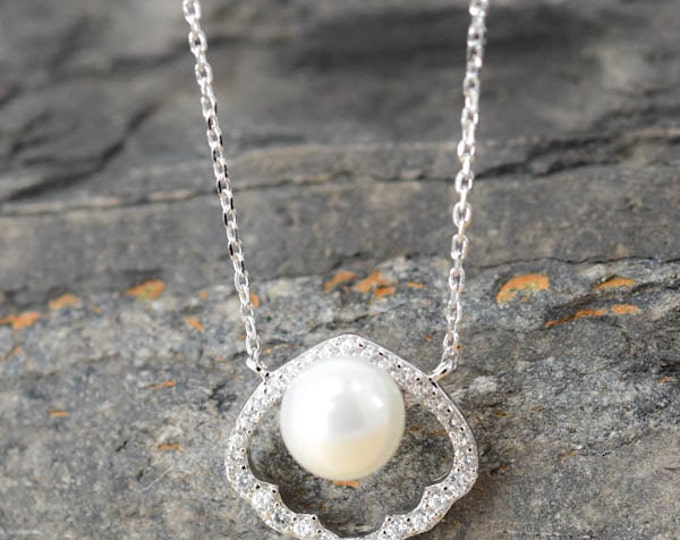 Shell Necklace, Shell Pendant, Pearl Pendant Necklace, 925 Sterling Silver, Crystal Necklace Pendant, Bridesmaid Gift, Bridesmaid Necklace