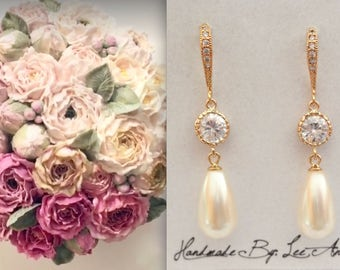 Gold pearl Drop Earrings, 14k gold over sterling ear wires, Gold brides earrings, Gold pearl wedding earrings, Long gold pearl earrings