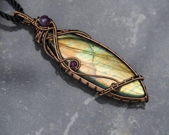 Labradorite pendant ~ Unique design ~ Handmade ~ Wire wrapped jewelry