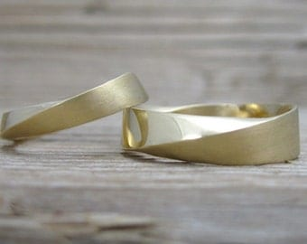 His And Hers Wedding rings set, Wedding rings set, Mobius bridal wedding set, mobius strip ring, Twisted Wedding Bands, Yellow Gold bands