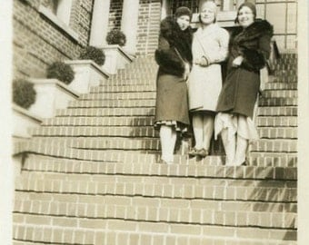 """Vintage Photo """"The Fashionable Gals"""" Paper Ephemera Women Stand Steps Architecture Building City Living Life Fashion Style Friends - 10"""