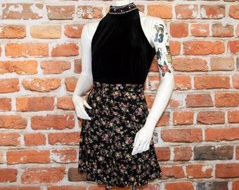 Black Floral Print High Waisted Skirt / 90s Rayon Skater Skirt / Size 9