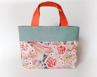 Floral tote bag, perfect gift for mom, zipper tote bag, floral print handbag, small picnic bag