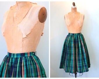 Vintage 1950's Plaid Taffeta Skirt | Size Small