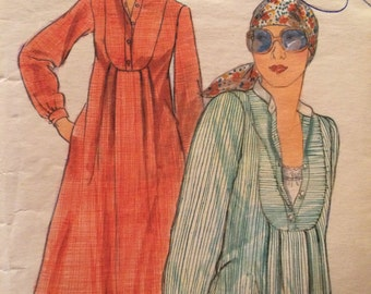 Rare Vintage 1970's Top or Dress Pattern Butterick 4718 Size 10  Bust 32 1/2