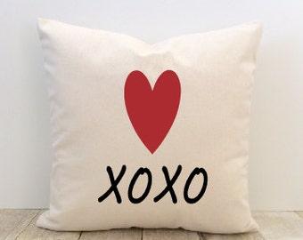 Love Pillow Cover, Love Heart XOXO Hugs and Kisse, Decorative, Wedding, Anniversary, Valentine