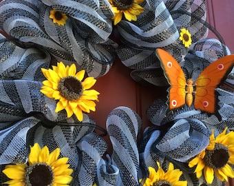 Sunny bright sunflower wreath