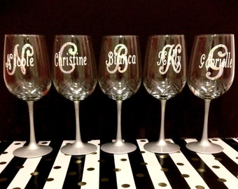 Personalized Glitter Initial Wine Glass (more color options available)