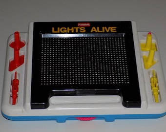 Vintage Playskool Tomy Lights Alive Light Up Art Toy Lite-Brite Type WORKS!