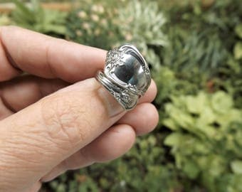 "SOLD 1950's Wm. A. Rogers Oneida ""Vanessa"" Silver-plated Spoon Ring (Size 5.5)"