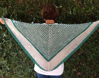 Thick green and white shawl