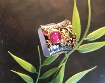 Madness-designer ring with Ruby and sapphires