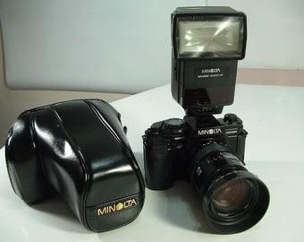 Minolta camera 35mm maxxum af 9000 flash