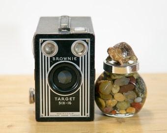 Kodak Brownie Target Six-16 Art Deco Box Camera #B15