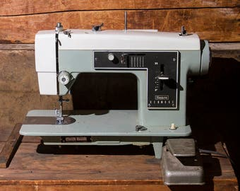 Vintage Sewing Machine SEARS KENMORE MODEL 5186, Industrial Sewing Machine, Two Tone Grey & White, Heavy Duty Machine