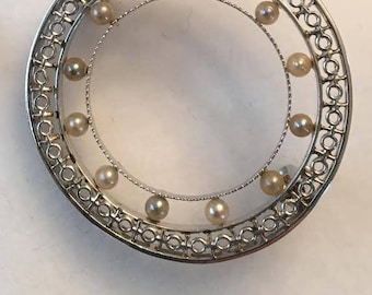 Antique Art Deco 14k white gold filigree open Cirlce Pin with 12 Tiny Seed Pearls