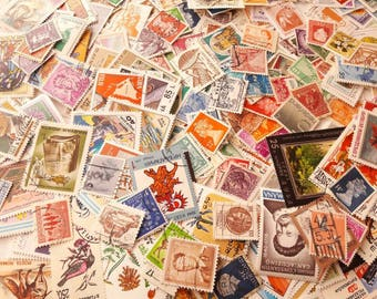 500 Vintage Postage Stamps - All Different - Worldwide Mix