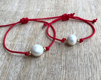 Mommy and Me bracelets, Mom and Daughter bracelets, Mommy and me Pearl bracelets, Red Matching bracelets, Gift for Mom NM001474