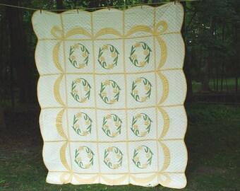 "Vintage ""Daffodil"" Applique' Quilt"