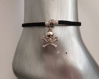 Skull and crossbone anklet - skull and crossbone - anklet - ankle bracelet - foot jewelry - foot jewellery - pirate - goth - body jewelry