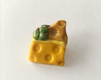 Cheese & Grapes Brooch