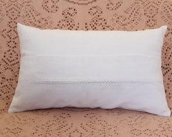 """White Cushion cover made in old tissue 30 x 50 """"white"""" and border line - chic shabby - chic décor - chic campaign"""