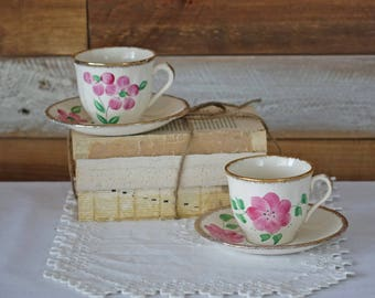Vintage tea cups - England Set of two tea cups and saucers - Hand painted