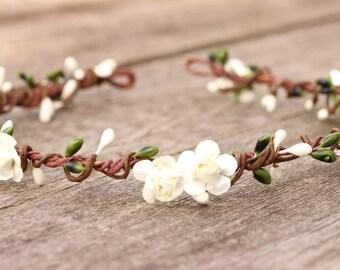 Olive Berry Hair Crown, Ivory Flower Crown, Green Flower Crown, Bridesmaid Headpiece, Simple Floral Crown, Ivory Rustic Headband, Girls Halo
