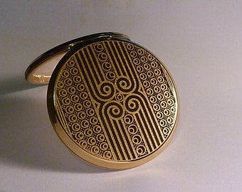 Unused compacts GIFTS FOR HER / girlfriends / wives / sisters / mothers