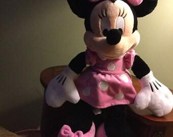 "19"" Plush Minnie Mouse"