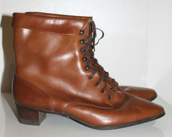 Vintage 1960s 1970s brown leather lace up boots Edwardian style Women, 60s shoes, 70s shoes, boots, Lace up boots,hippie style, leather, 60s