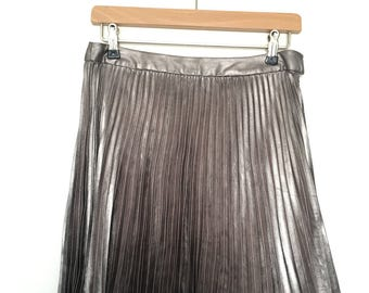 90s Silver Pleated mini skirt, Forever 21 - UK Small