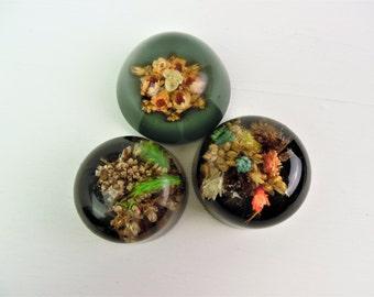 Resin paperweights mini / paper weight bundle of three, vintage handmade