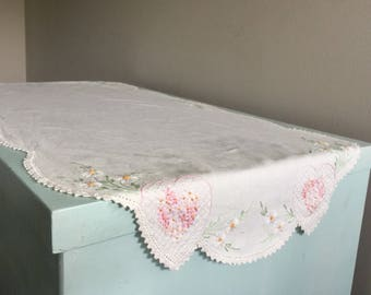 Vintage embroidered linen table runner table scarf floral crocheted edging