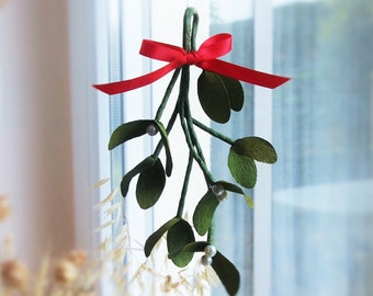 Paper Mistletoe Hanging Decoration *free shipping* Papier Mistel zum Aufhängen, Weihnachtsdekoration, paper ornament, Geschenk, Krepppapier